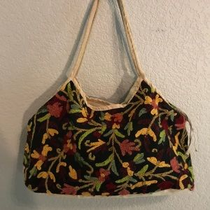 Vintage embroidered shoulder bag. Made in Nepal